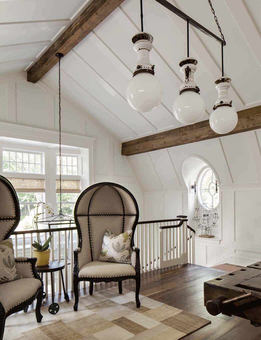 traditional-staircase-landing