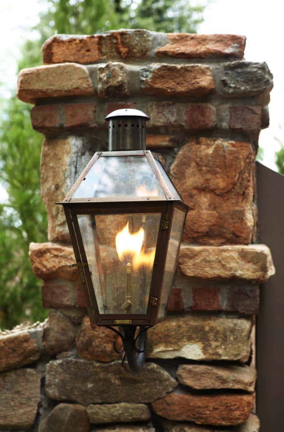 waterfront-house-traditional-outdoor-light-fixture