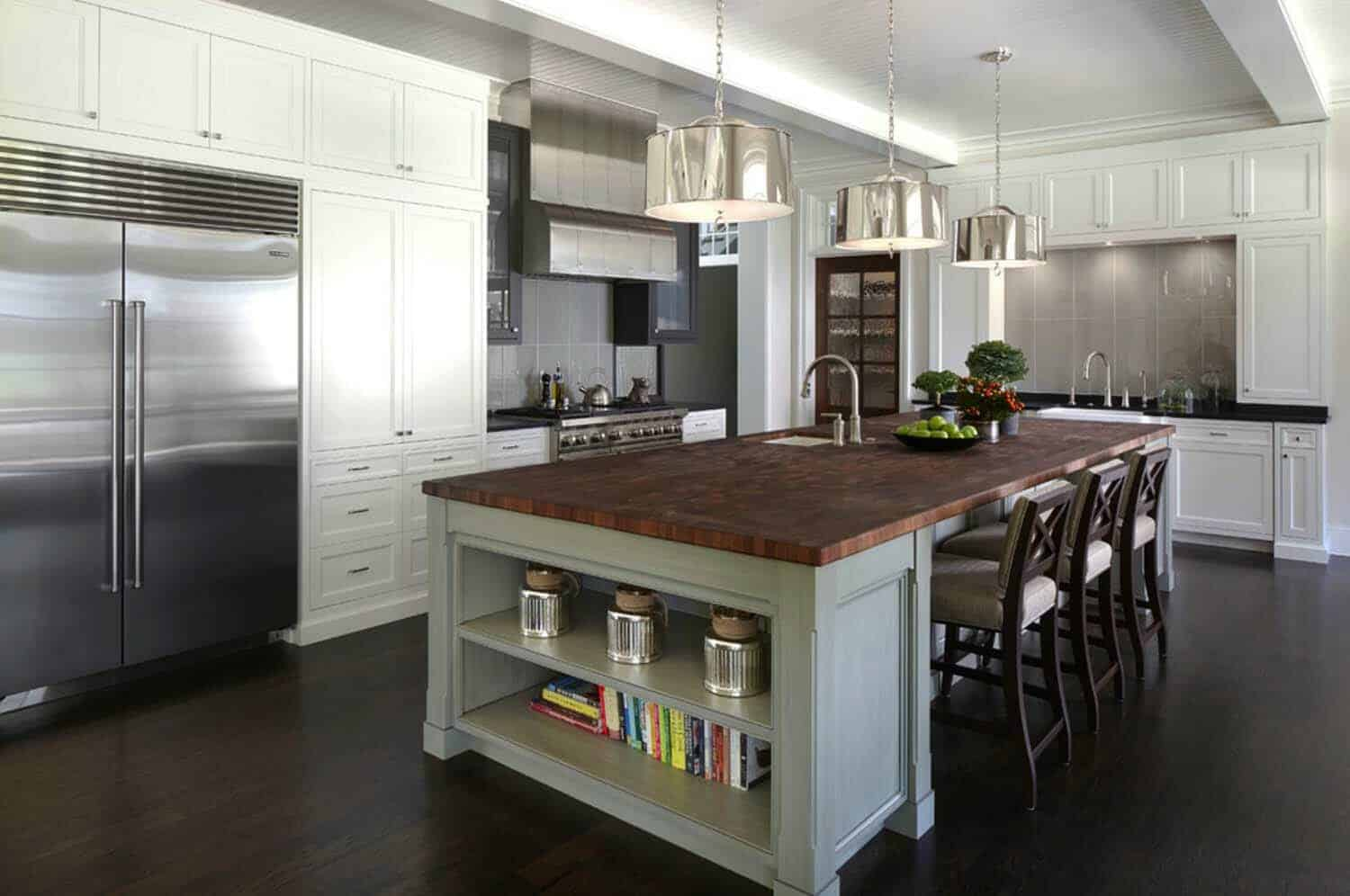 shingle-style-home-traditional-kitchen