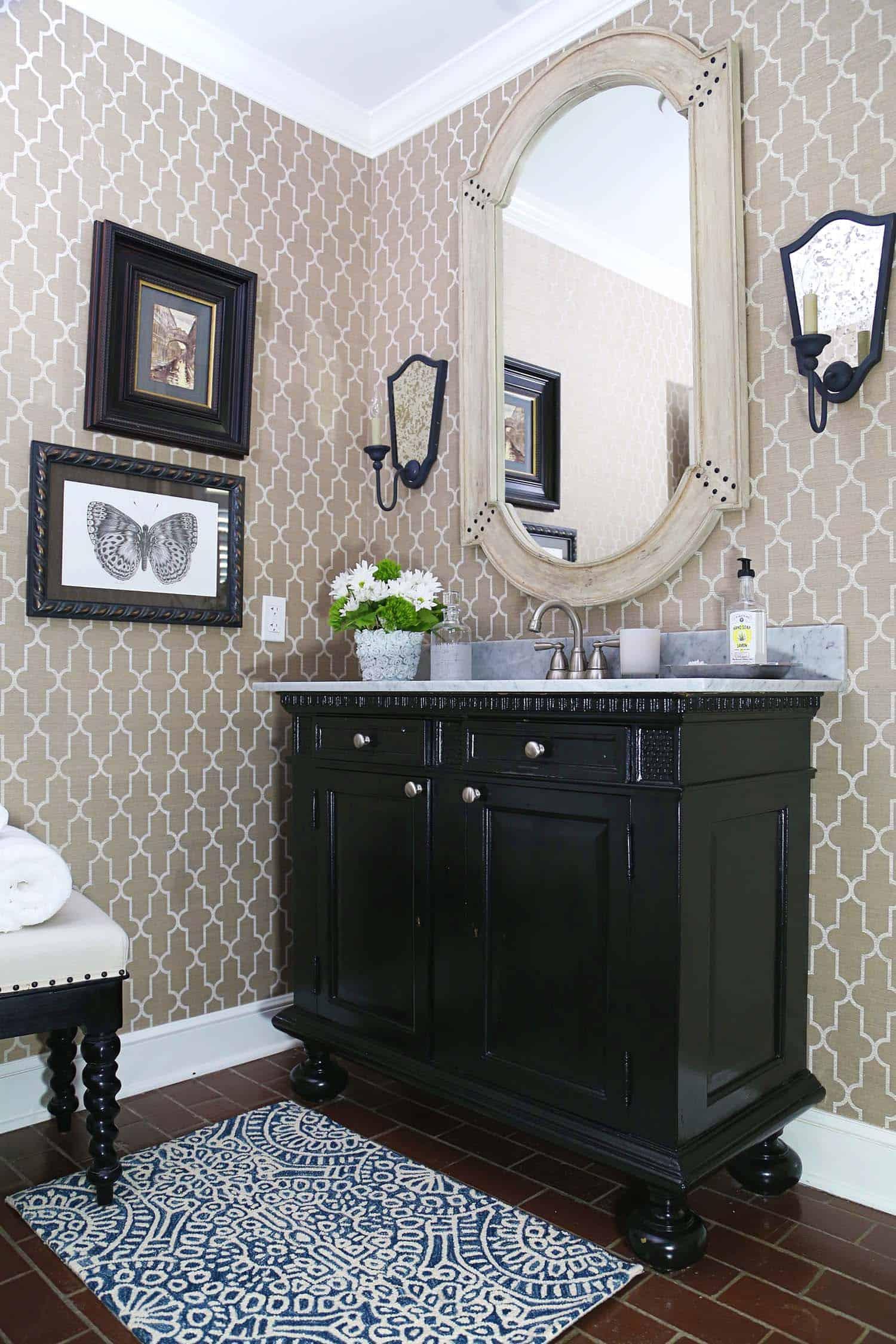 transitional-style-powder-bathroom