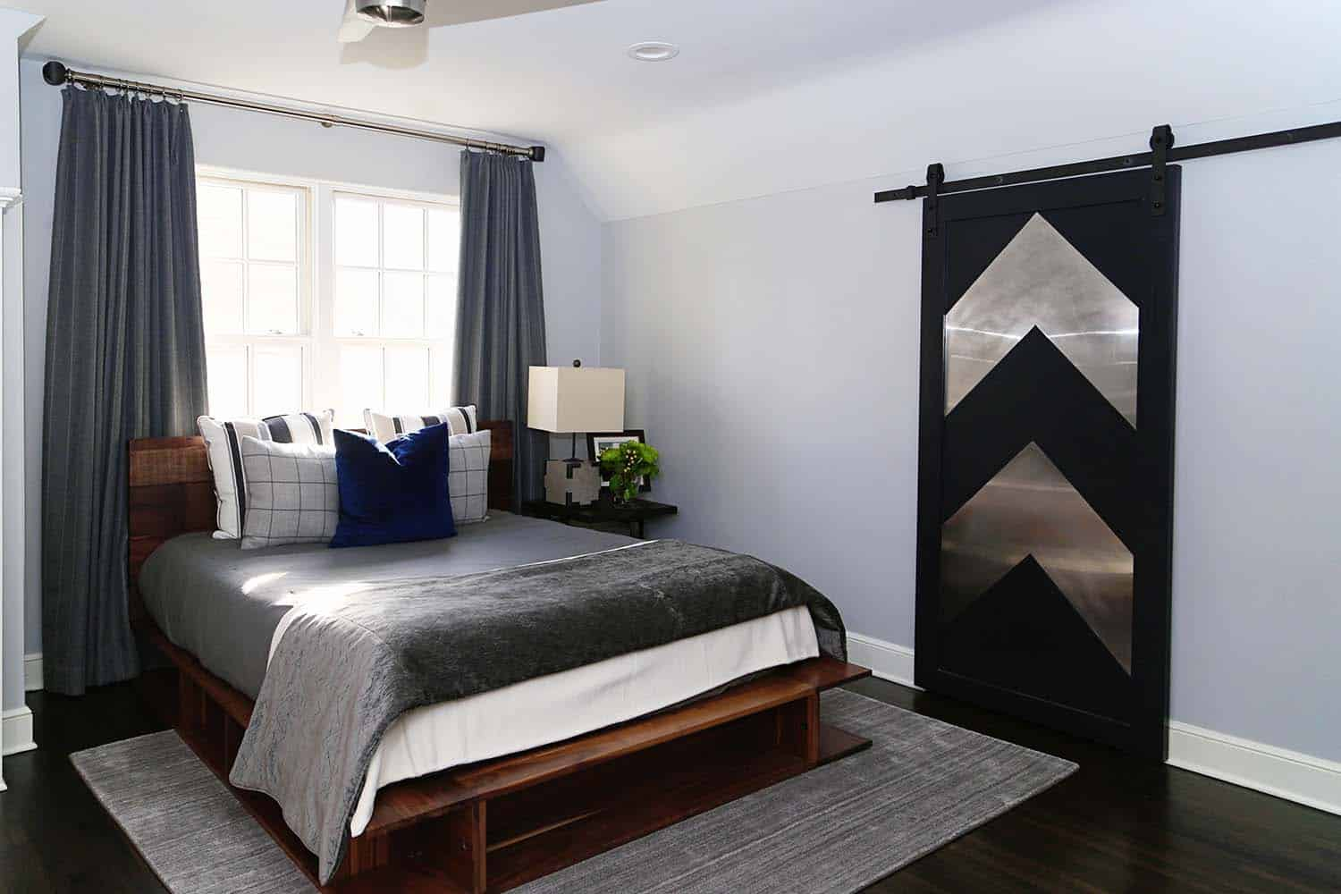 transitional-style-boys-bedroom