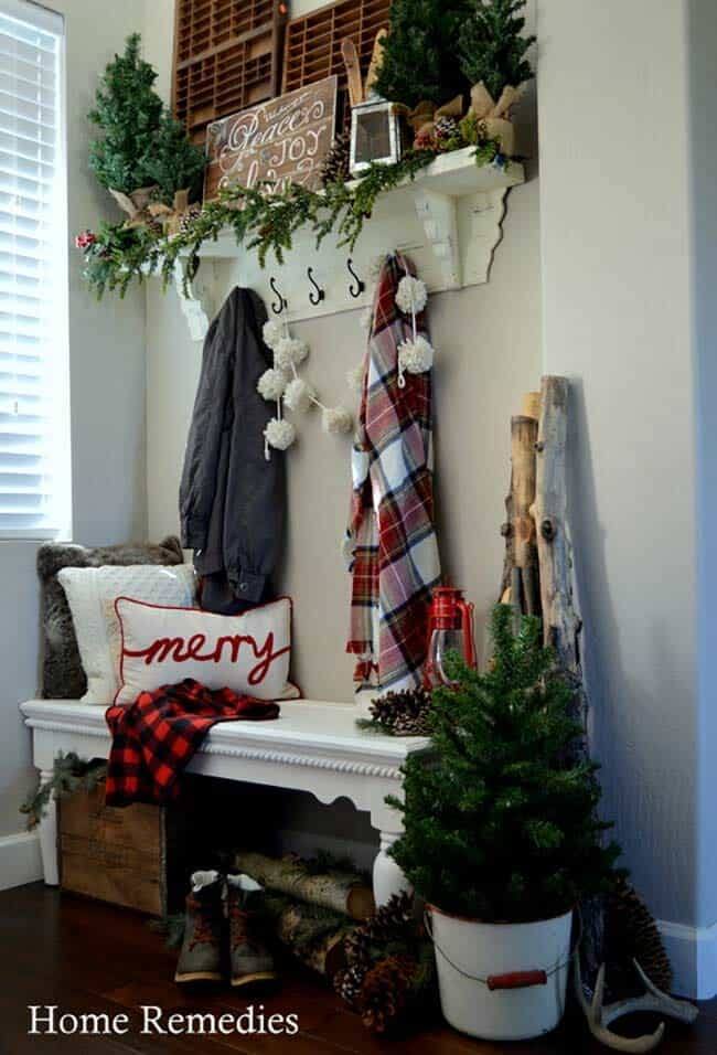 christmas-decorated-entryway-cozy-farmhouse-style