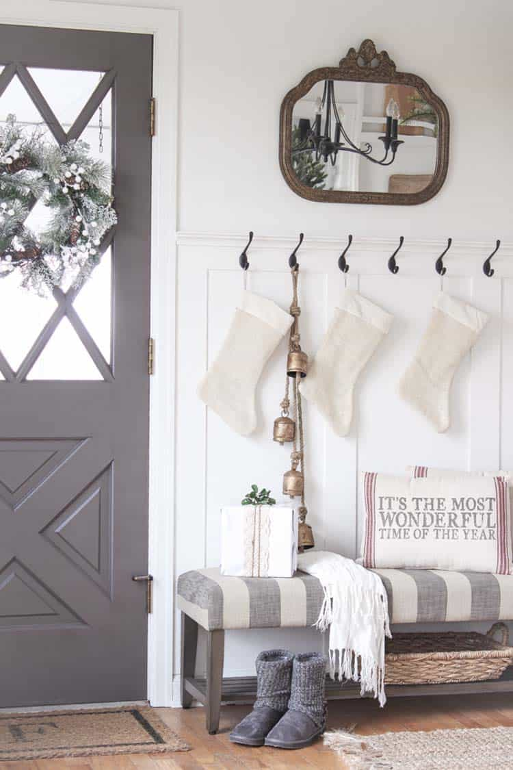 christmas-decorated-entryway-farmhouse-style