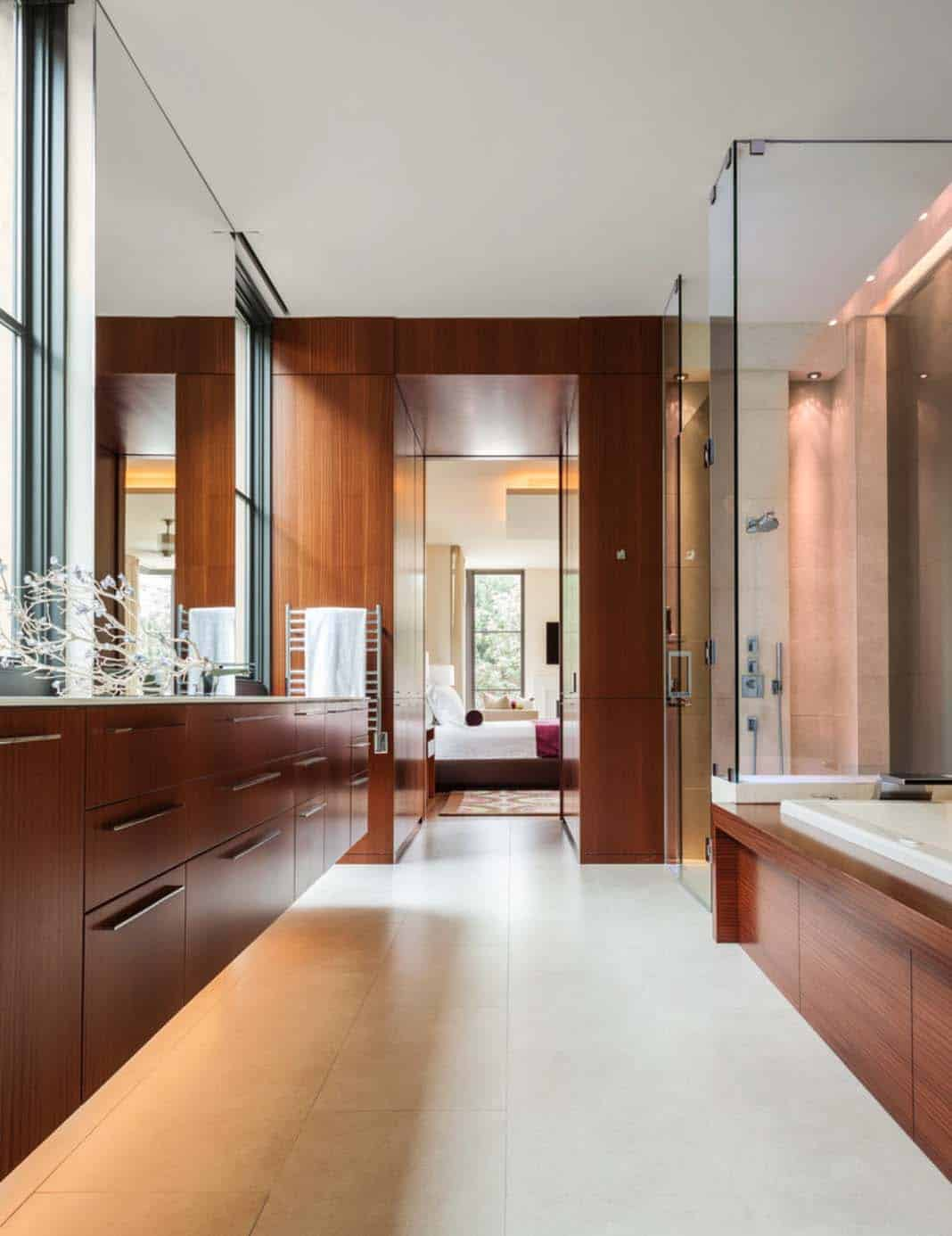 contemporary-courtyard-home-bathroom
