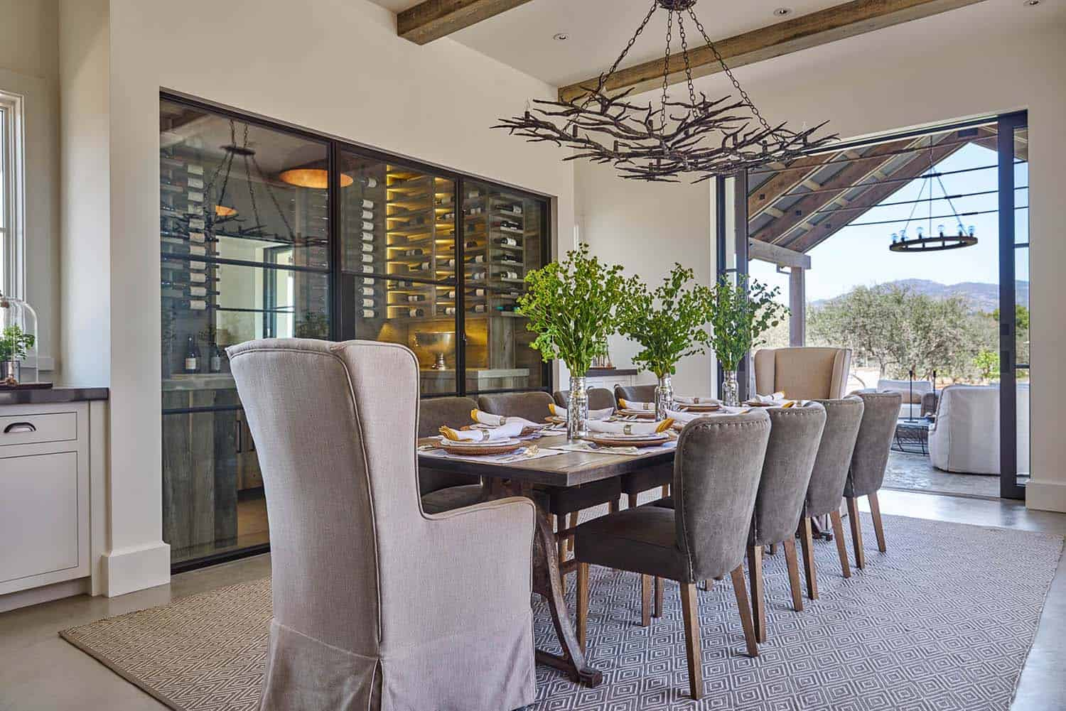 contemporary-farmhouse-dining-room