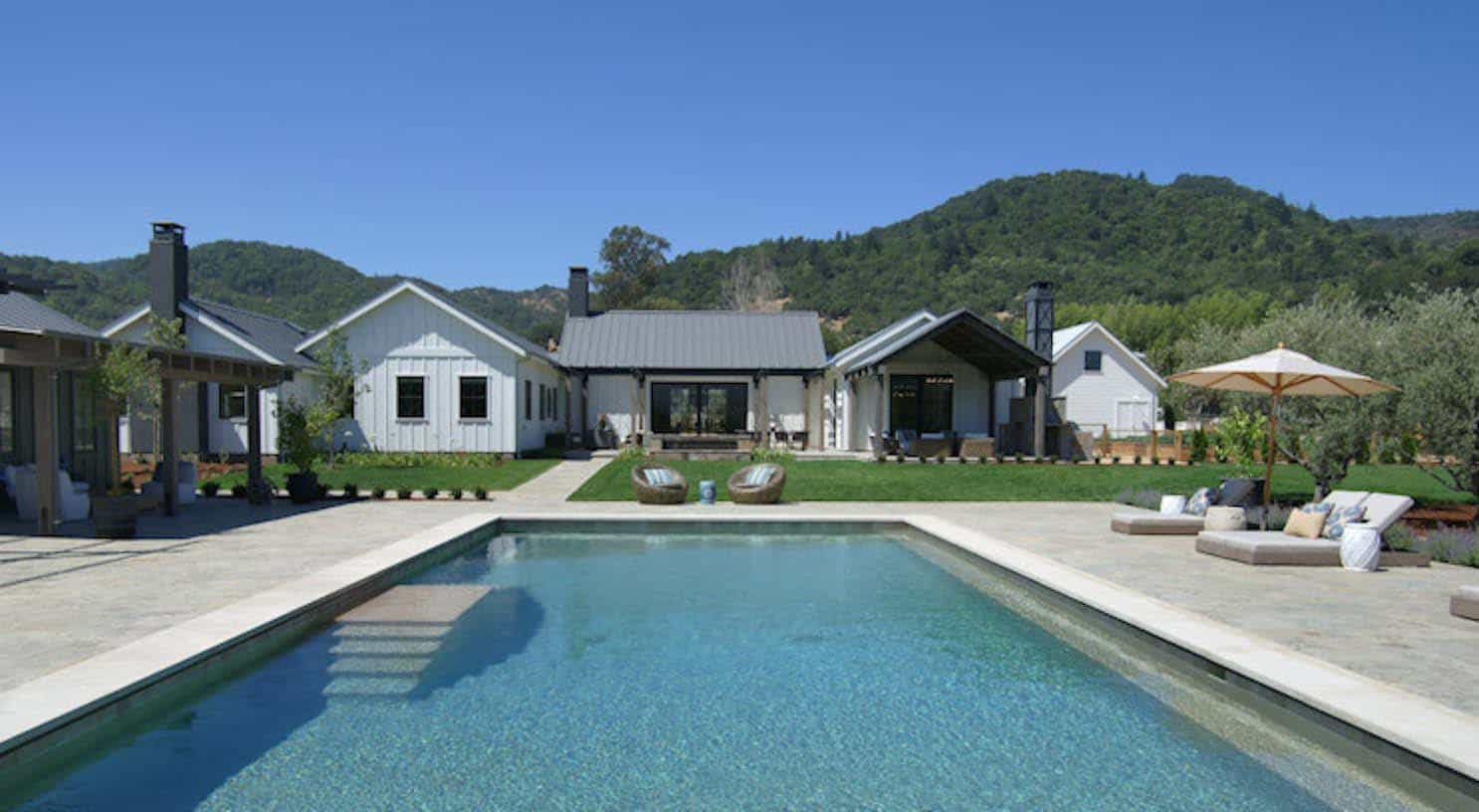 contemporary-farmhouse-pool