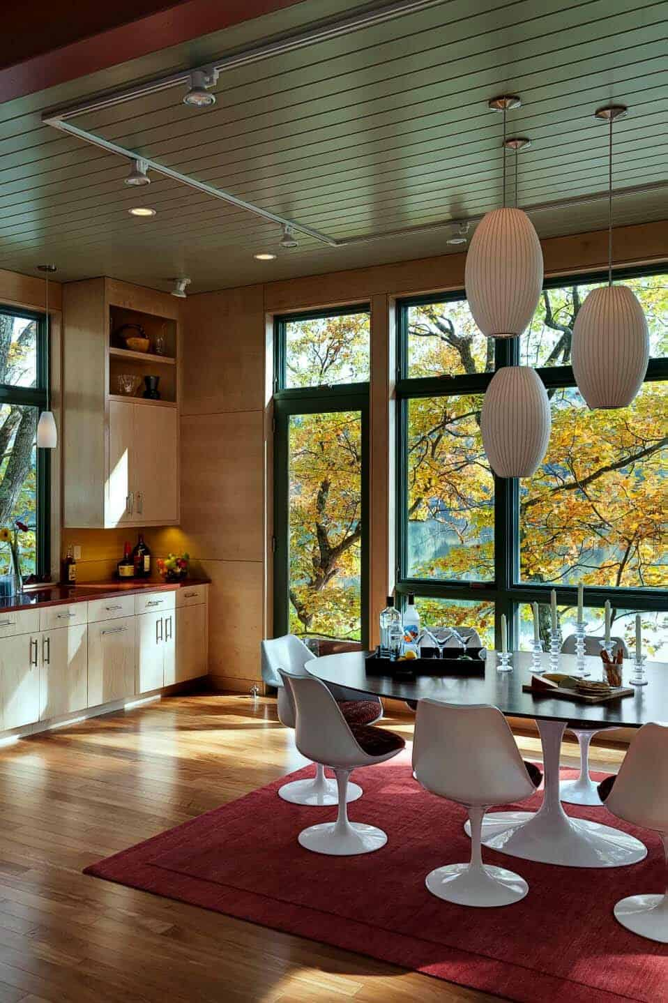 contemporary-guesthouse-dining-room