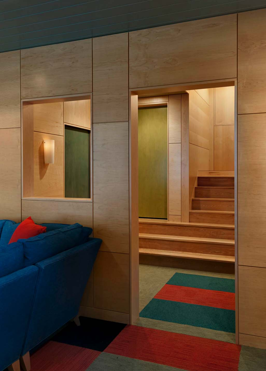 contemporary-guesthouse-staircase