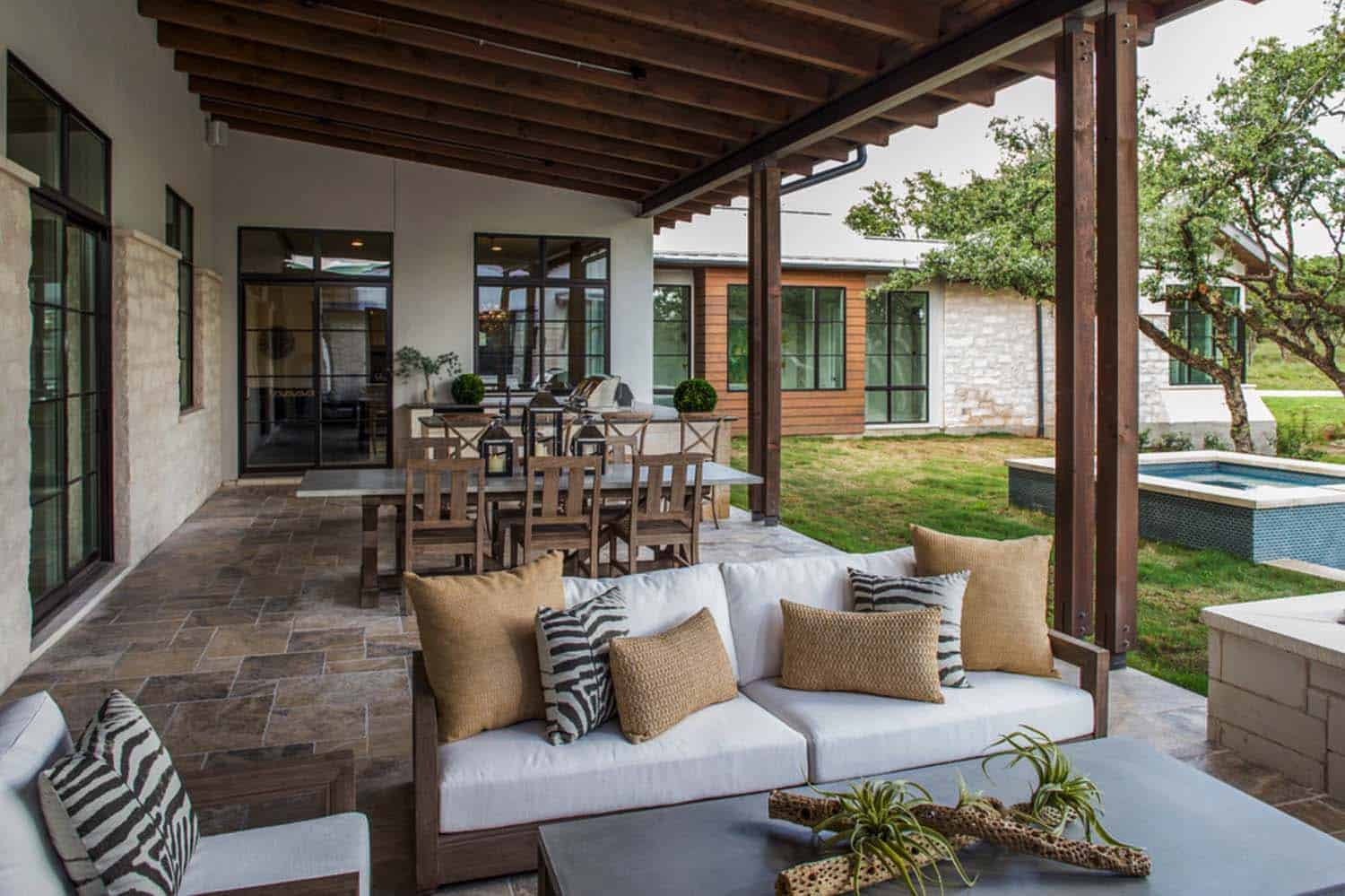 contemporary-covered-patio
