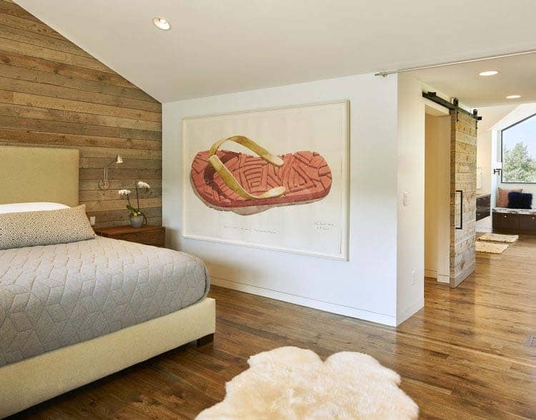 contemporary-lake-house-bedroom