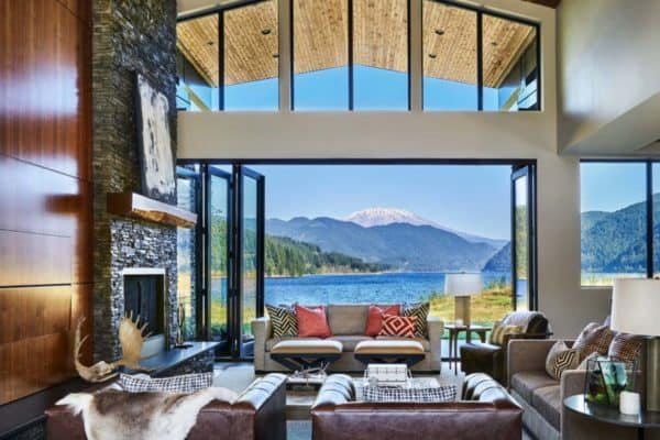 featured posts image for Contemporary lake house in Oregon boasts views of Mount St. Helens