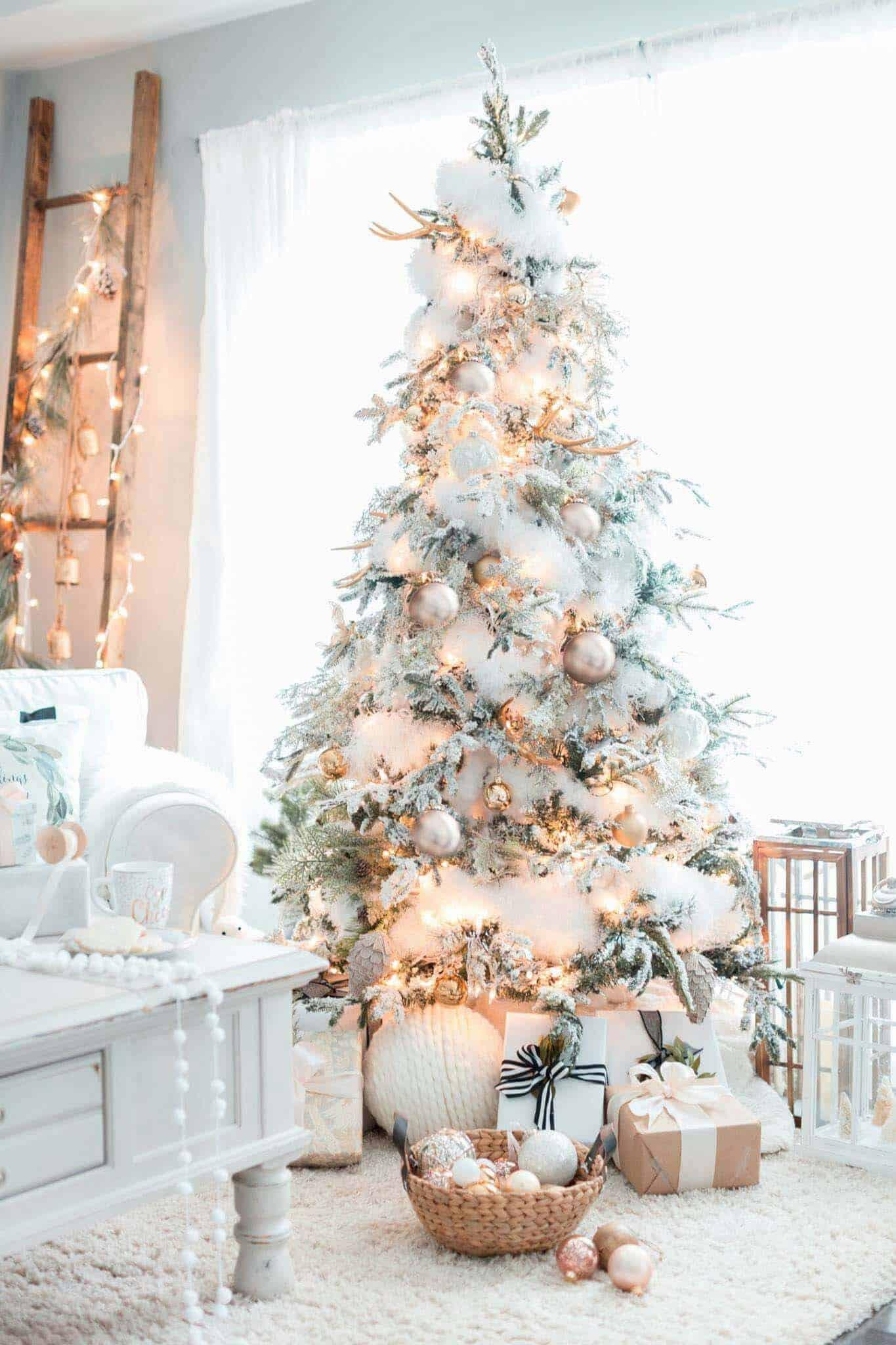 farmhouse-inspired-christmas-decor-flocked-tree