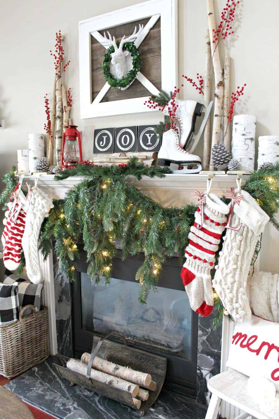 farmhouse-inspired-christmas-decorated-fireplace