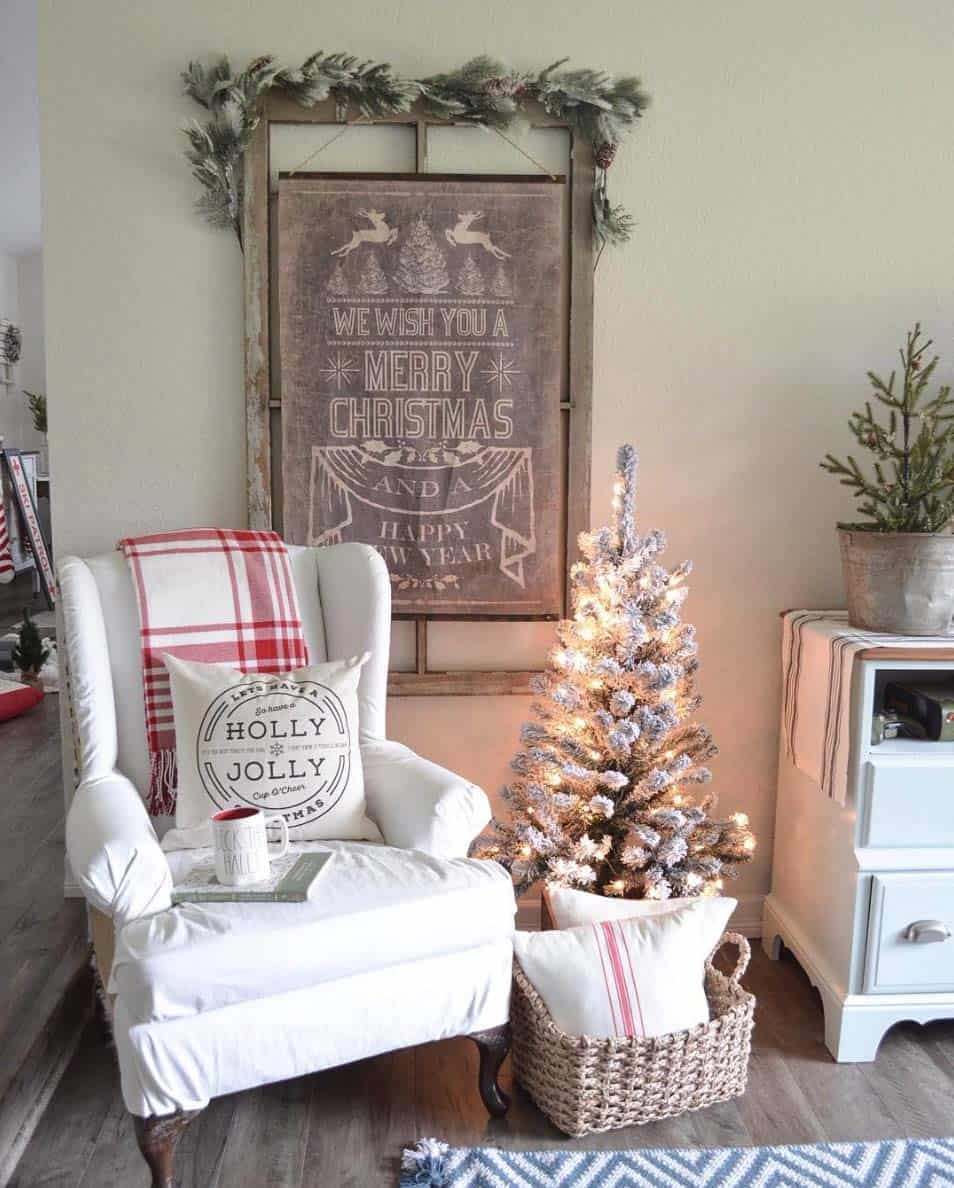 farmhouse-inspired-christmas-decorated-living-room