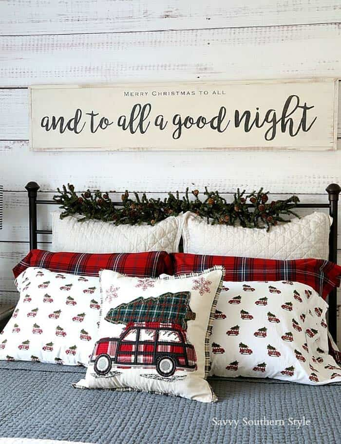 farmhouse-inspired-christmas-decorated-bedroom