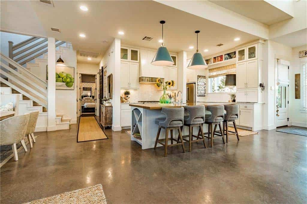 farmhouse-inspired-home-kitchen