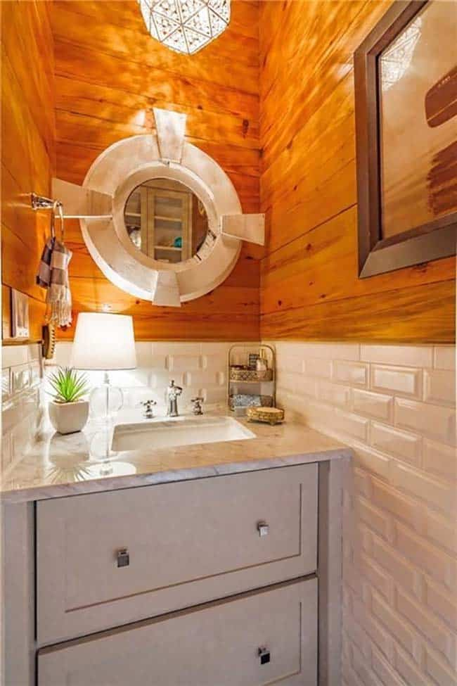 farmhouse-inspired-home-powder-room