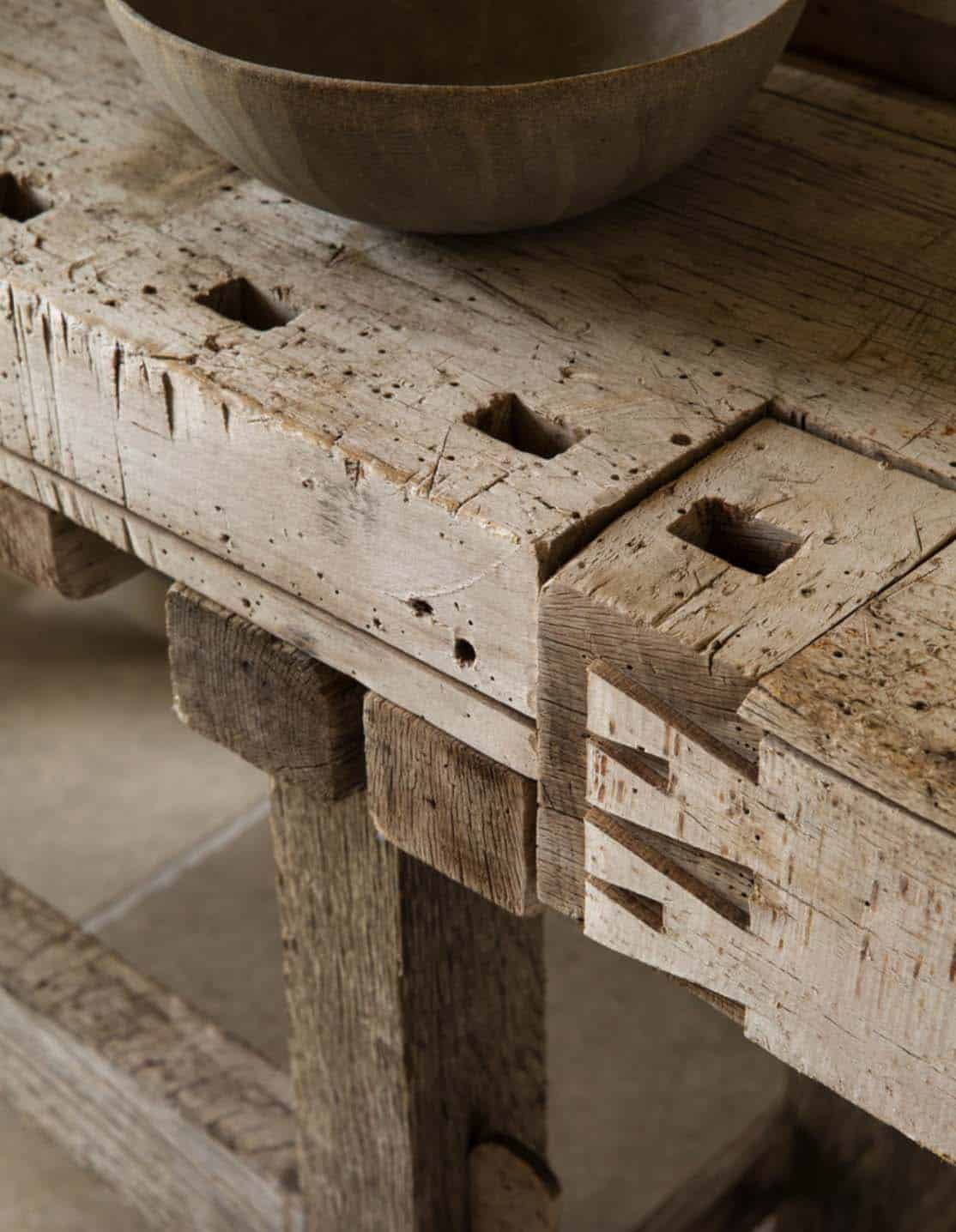 farmhouse-console-detail