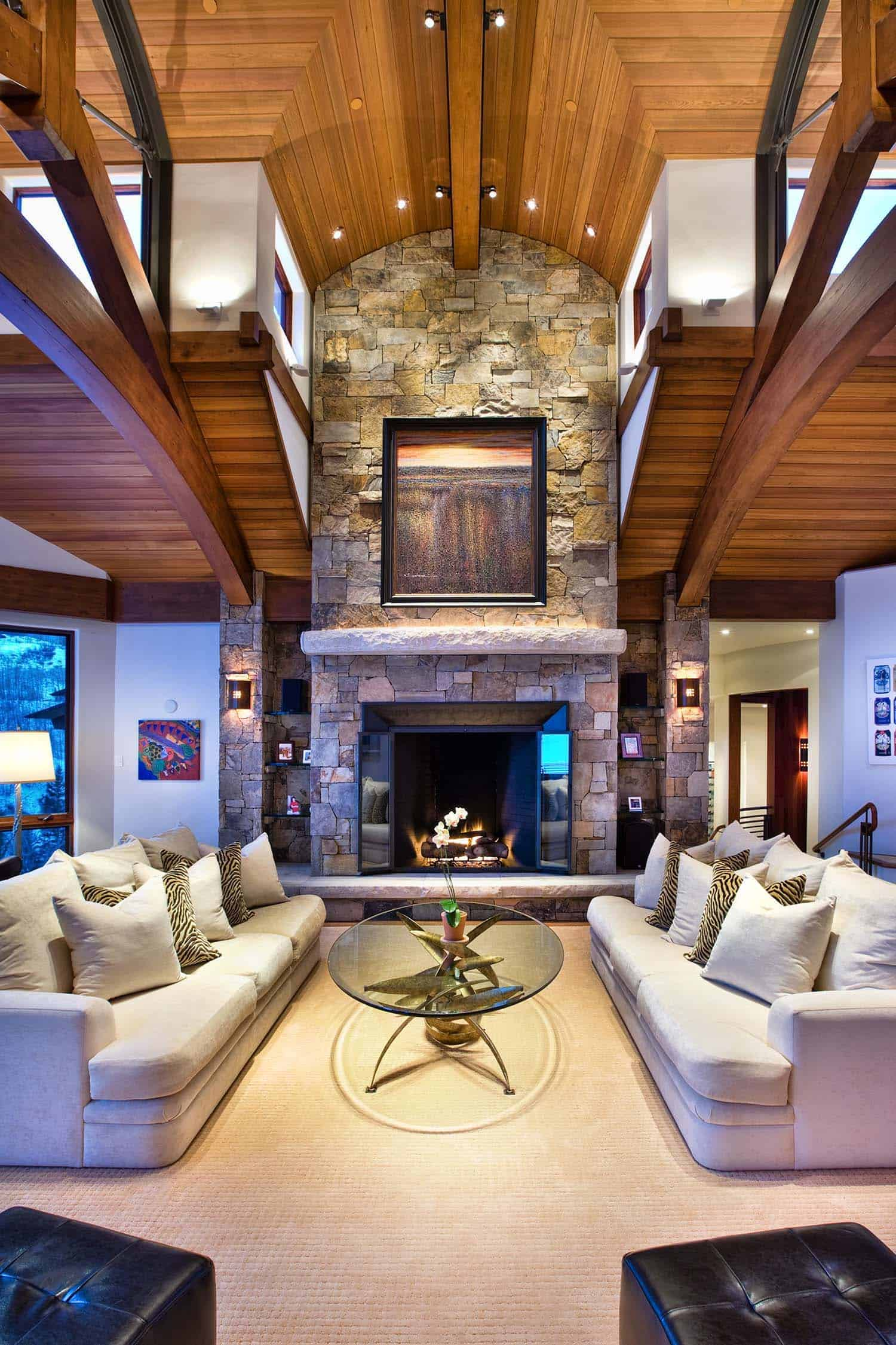 mountain-retreat-traditional-living-room