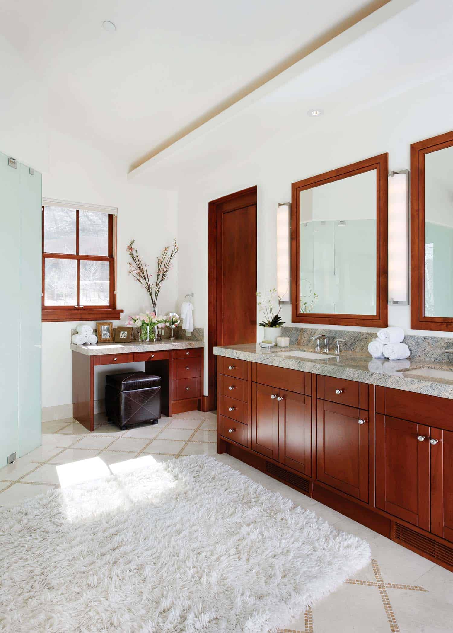 mountain-retreat-traditional-bathroom