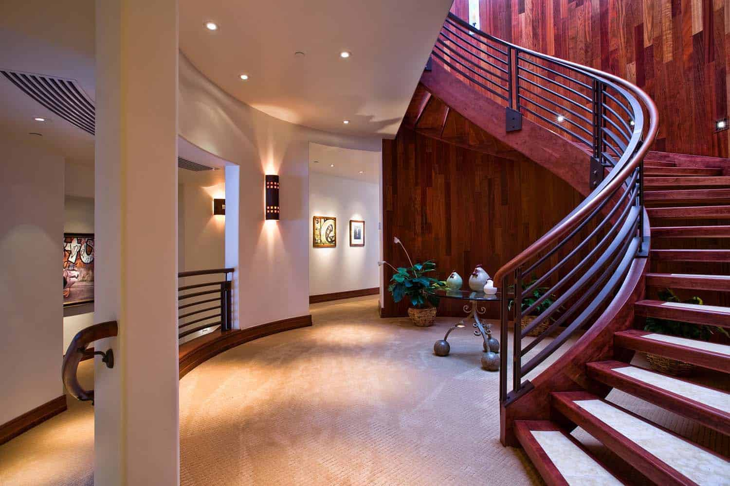mountain-retreat-traditional-staircase