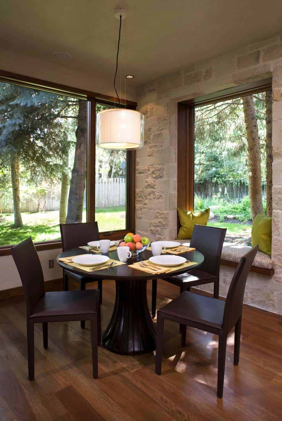 ranch-contemporary-dining-room