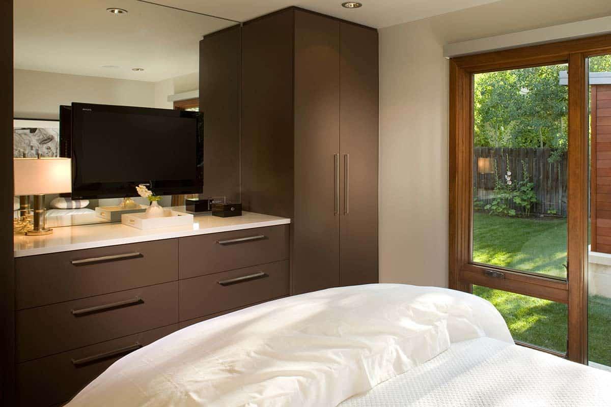 ranch-contemporary-bedroom