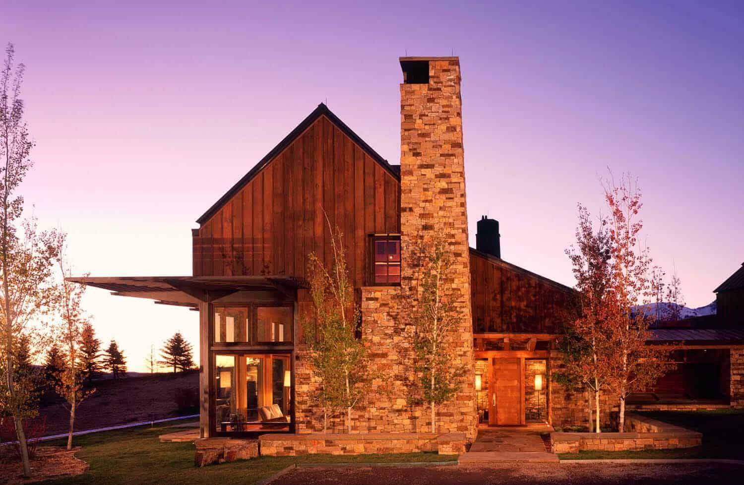 modern-rustic-mountain-home-exterior