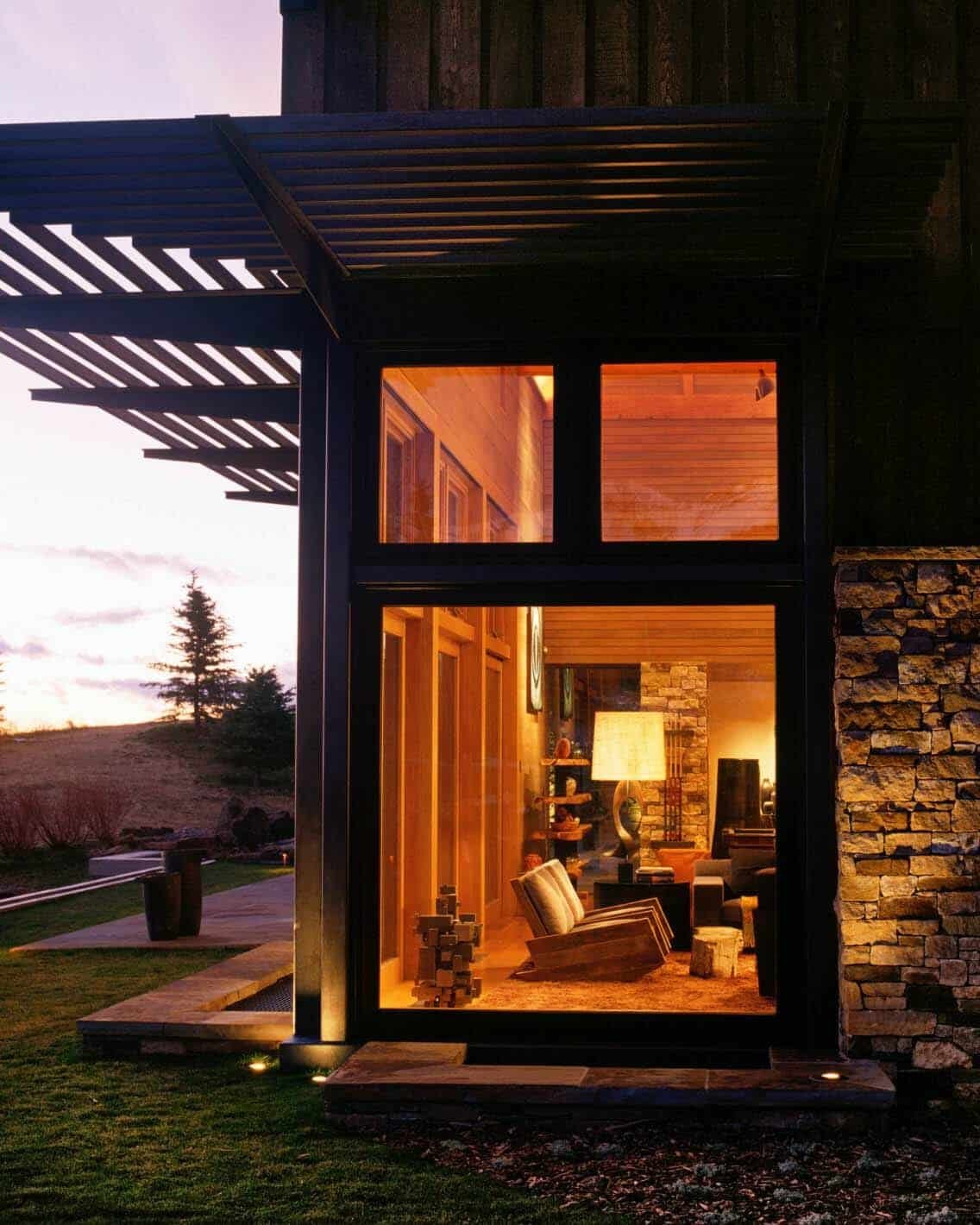 modern-rustic-mountain-home-exterior