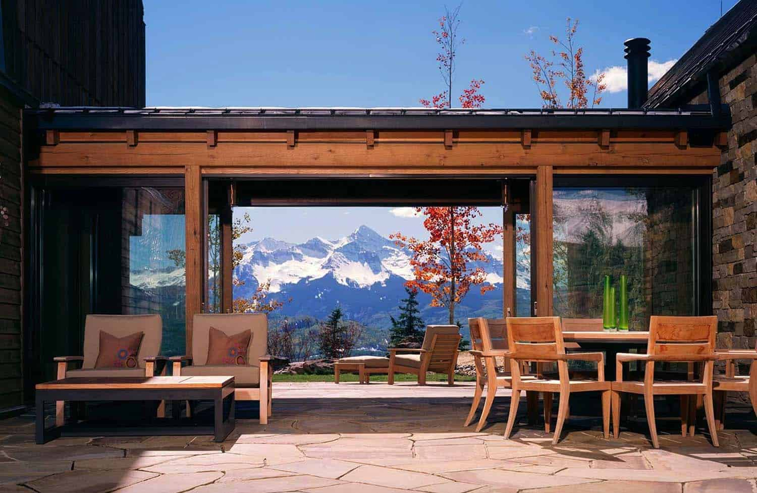 modern-rustic-mountain-home-patio