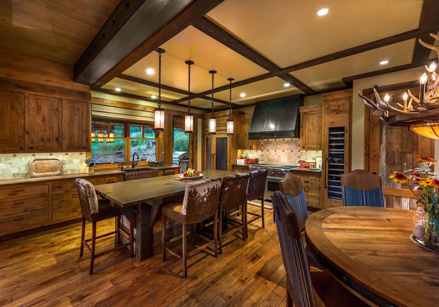 cabin-traditional-kitchen