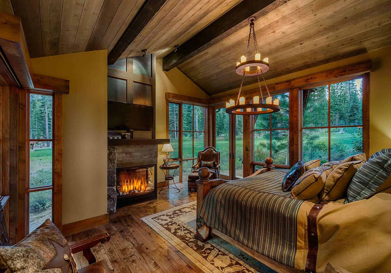 cabin-traditional-bedroom