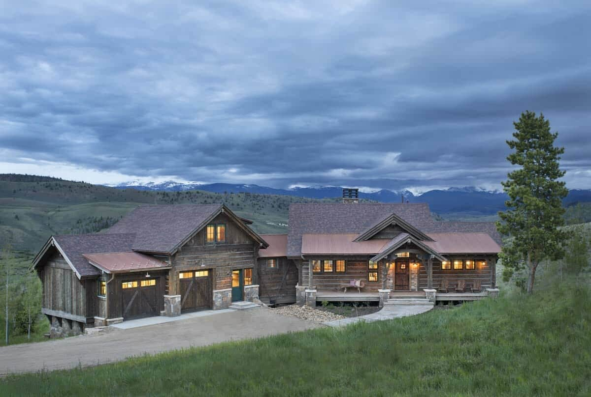 rustic-ranch-style-exterior