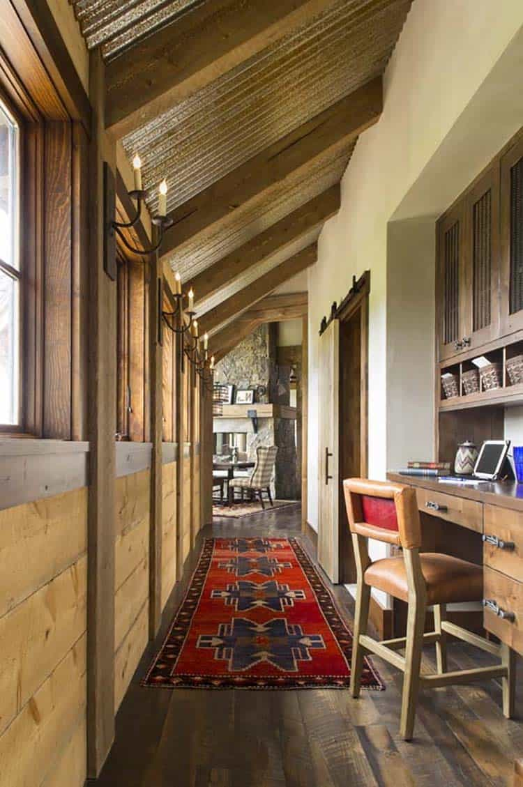 rustic-ranch-style-hall