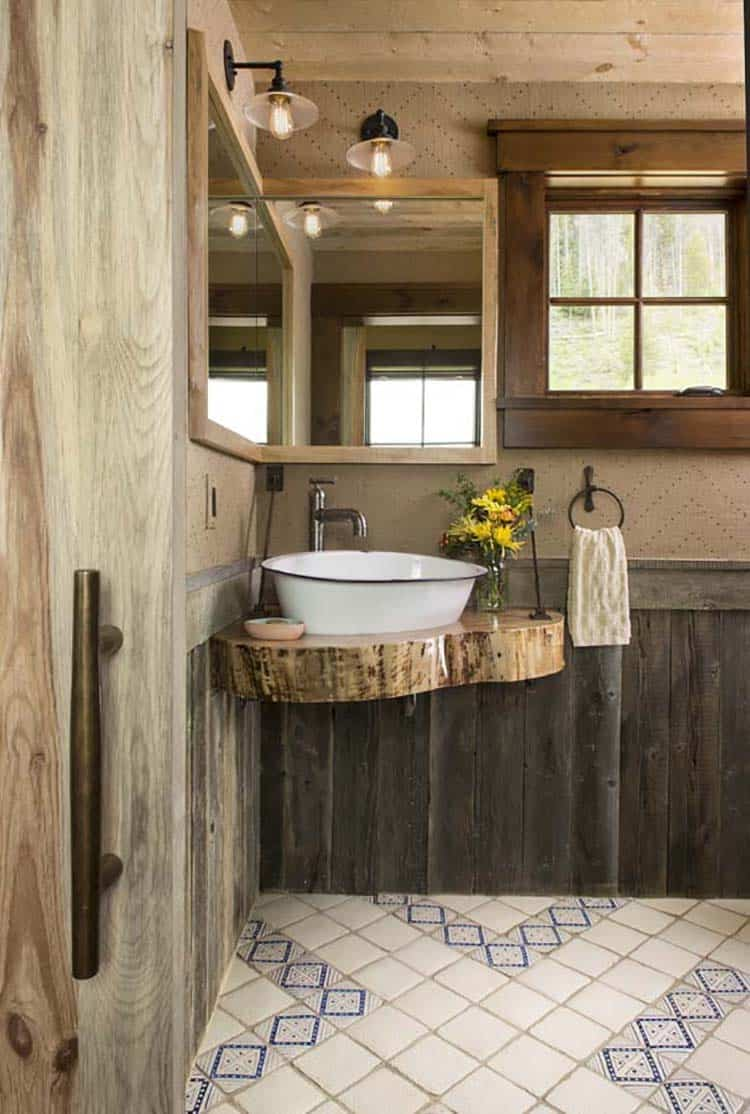rustic-ranch-style-powder-bathroom