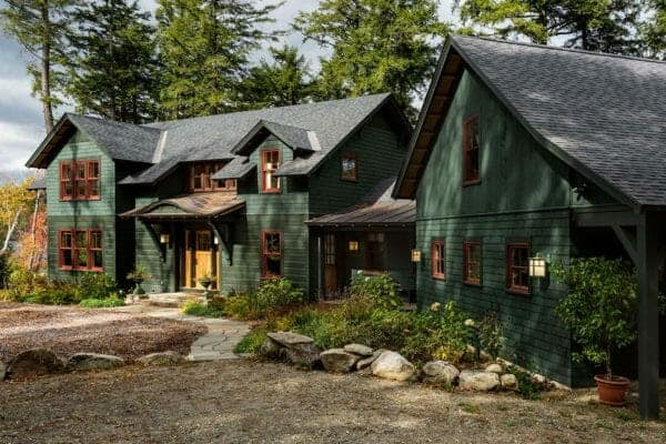 featured posts image for Charming lake house retreat in Vermont in a woodsy setting