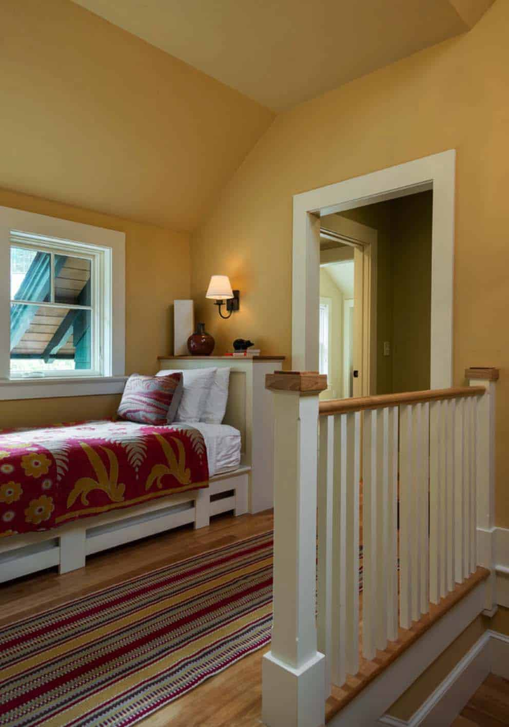 lake-house-retreat-traditional-hall