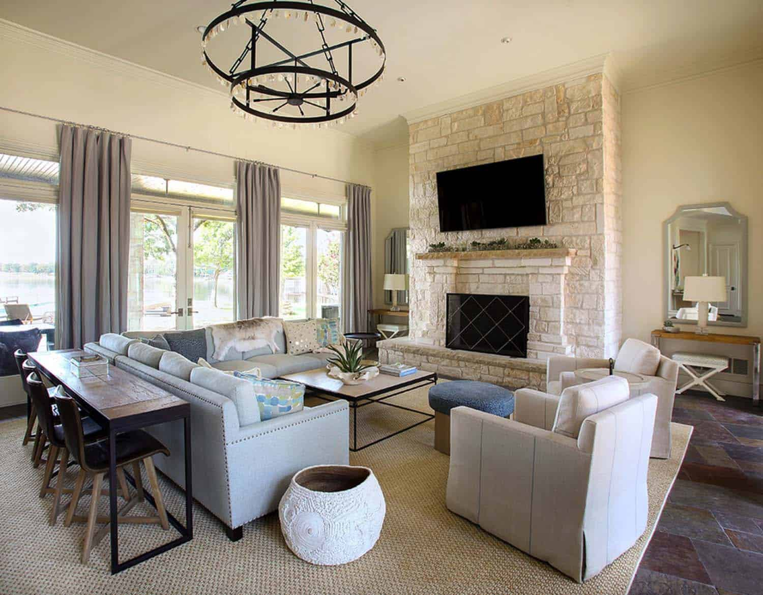 Beautiful Family Home In Texas Showcases Fresh And Airy