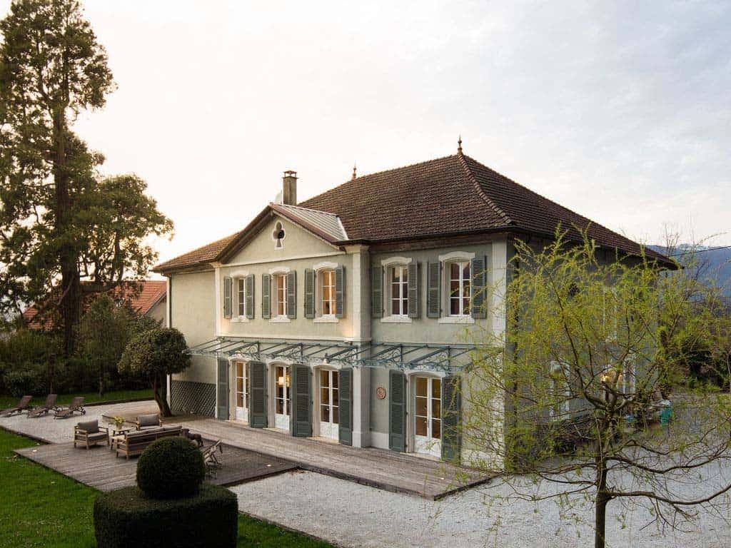 Maison bambou french villa exterior