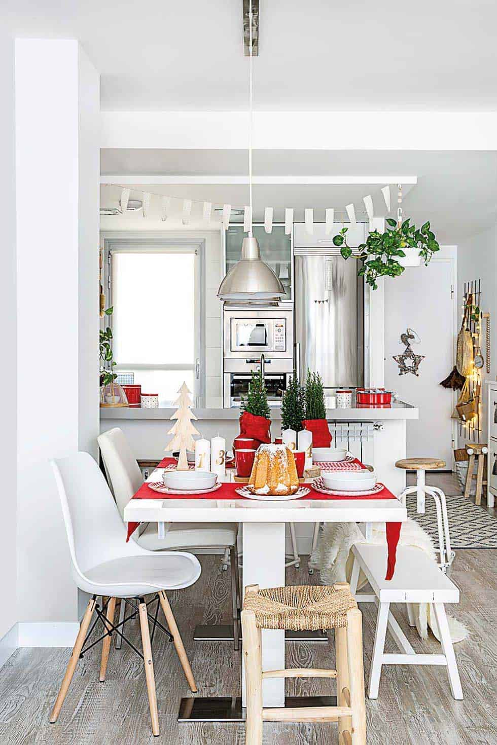 nordic-decorated-christmas-dining-room