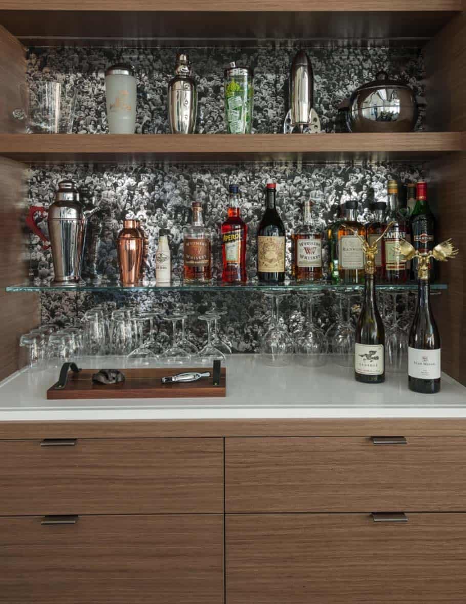 contemporary-mountain-home-bar