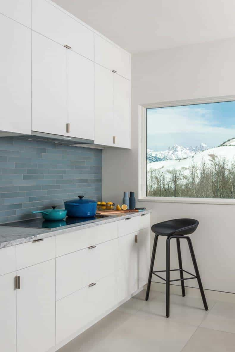 contemporary-mountain-home-kitchen