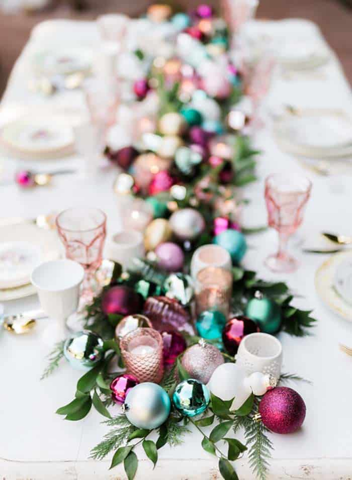 gorgeous-christmas table-centerpiece-ornaments