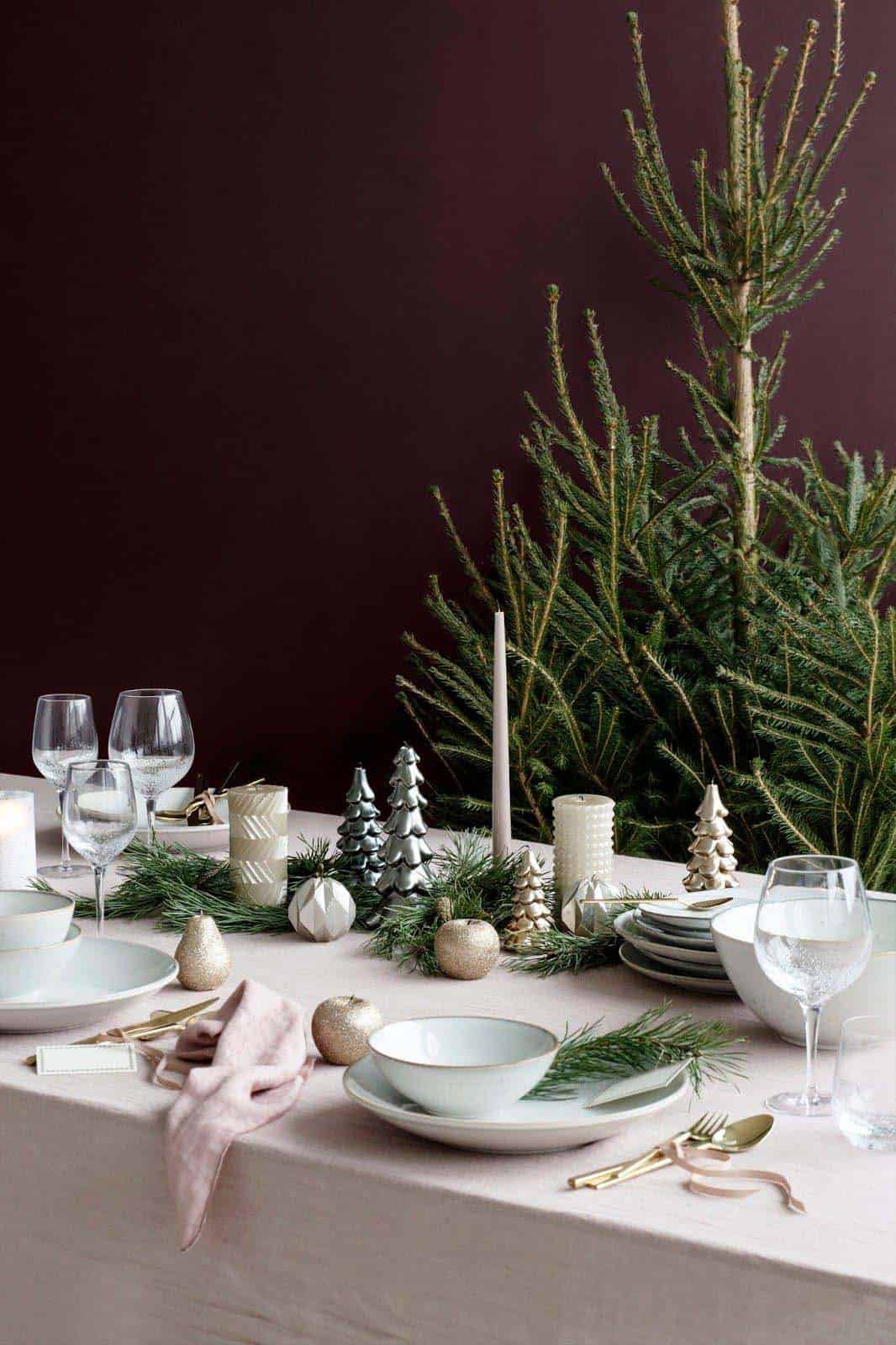 gorgeous-christmas table-centerpiece-pastel