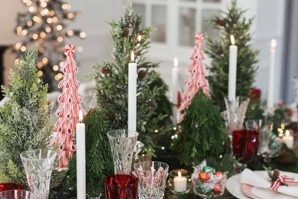 featured posts image for 25+ Absolutely Gorgeous Centerpiece Ideas For Your Christmas Table
