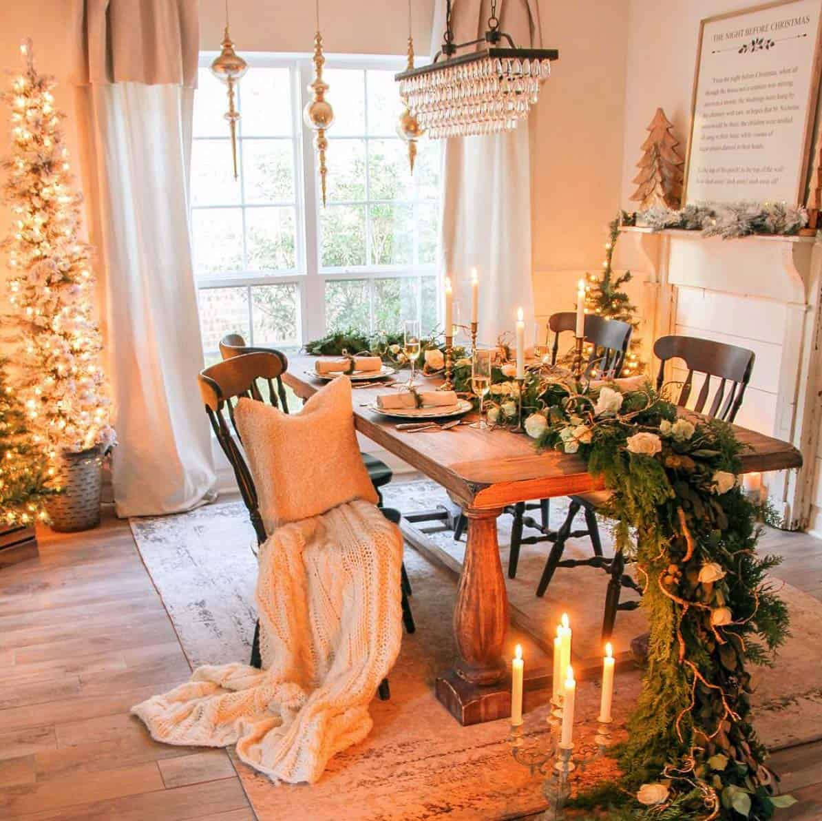 gorgeous-christmas table-centerpiece-garland