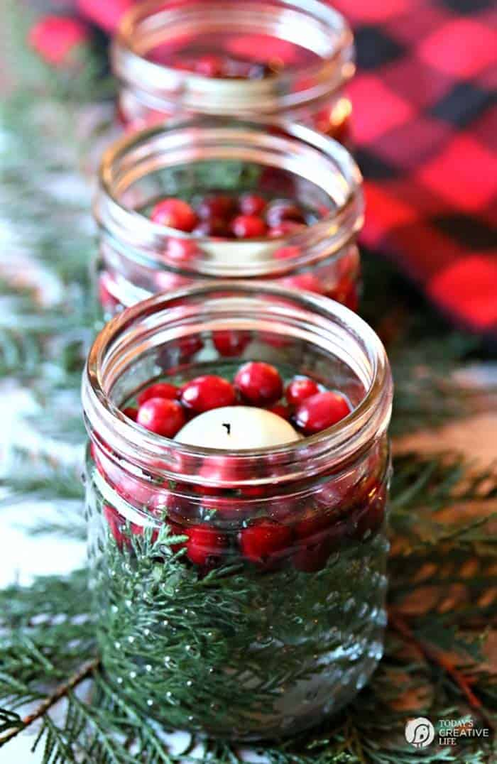 gorgeous-christmas table-centerpiece-diy-floating-candles