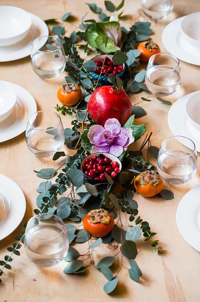 gorgeous-rustic-christmas-table-centerpiece