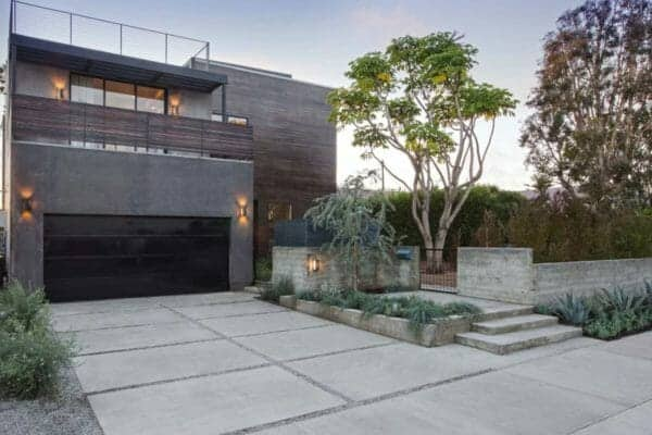featured posts image for Modern dream home in Los Angeles with bright and airy floor plan