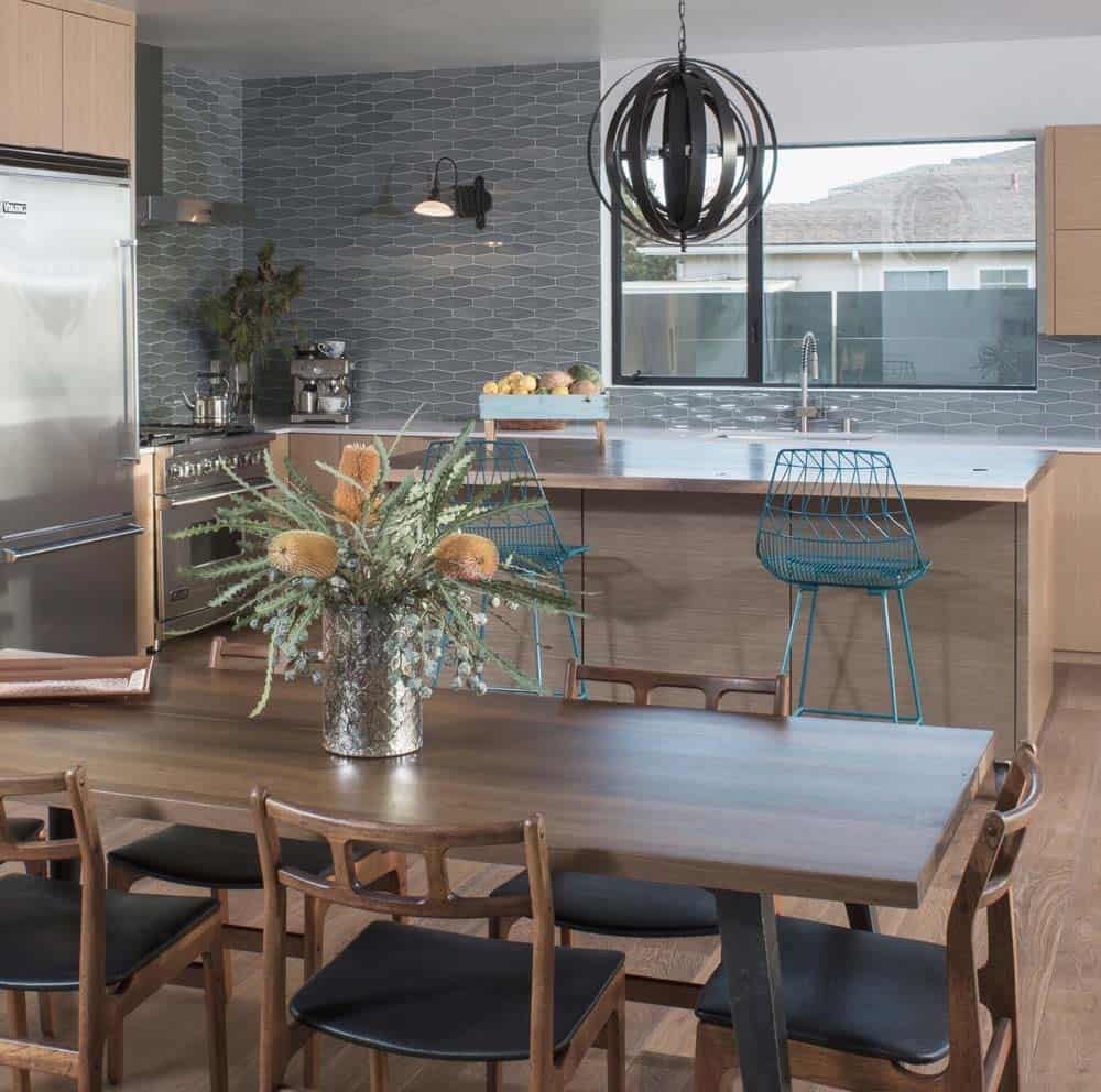Simply Inspiring 10 Wonderful Kitchen Design Lines That: Modern Dream Home In Los Angeles With Bright And Airy Floor Plan